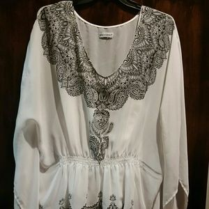Plus size breezy white and black top